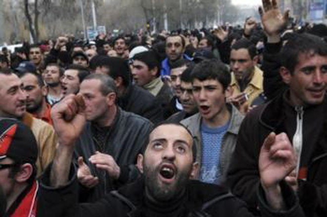 Почему армяне черные? фото