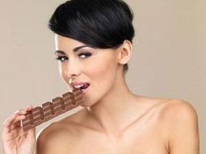 Почему кормящим мамам нельзя шоколад? фото