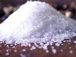 Почему нельзя есть соль? фото
