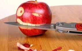 Почему нельзя есть с ножа? фото