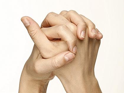 Почему нельзя хрустеть пальцами? фото