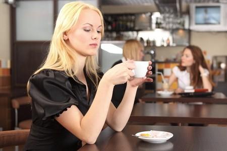 Почему беременным нельзя пить кофе? фото