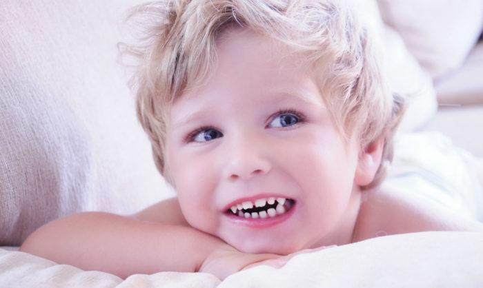 Почему дети скрипят зубами? - фото