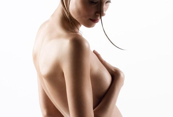 Почему обвисает грудь при увеличении? фото