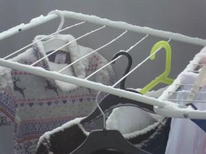 Почему на морозе сохнет белье? фото