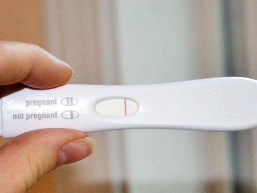 Почему беременность есть а тест отрицательный? фото