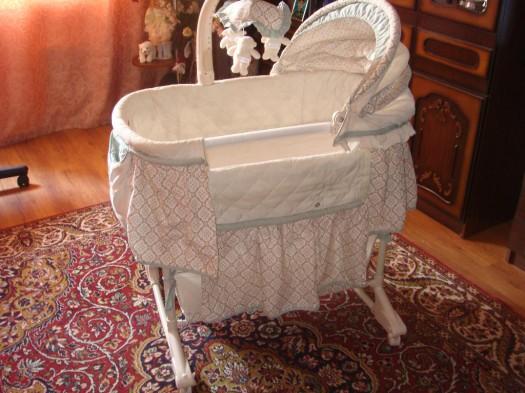 Почему кровать для ребенка называется люлькой? - фото