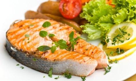 Почему диетологи советуют есть жирную рыбу, морепродукты и нормолакс? фото