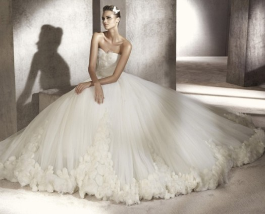 Почему свадебное платье должно быть длинным? фото