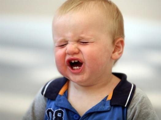 Почему ребенок капризничает? фото