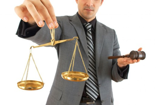 Почему юристы правят миром? фото