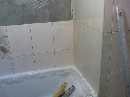 Как класть плитку в ванной? фото