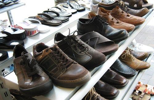 Как открыть бизнес по продаже обуви? фото