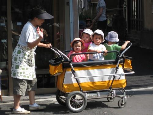 Как выбрать детскую коляску? фото