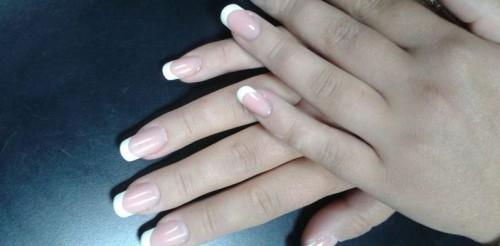 Где нарастить ногти в Москве? фото