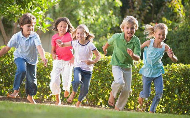 Почему для детей важны игры на свежем воздухе? фото