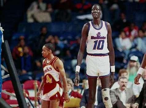 Почему баскетболисты высокие? фото