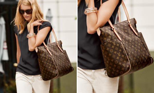 сумка луи витон на женщине