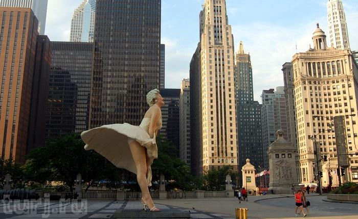 Мэрилин Монро памятник в Чикаго.