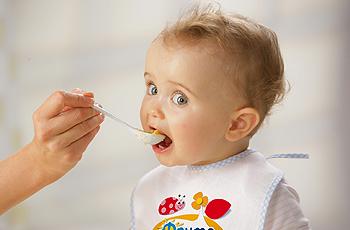 Почему важно первое питание детей? фото