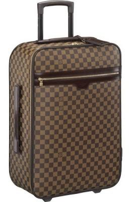 Коричневый чемодан для поездок