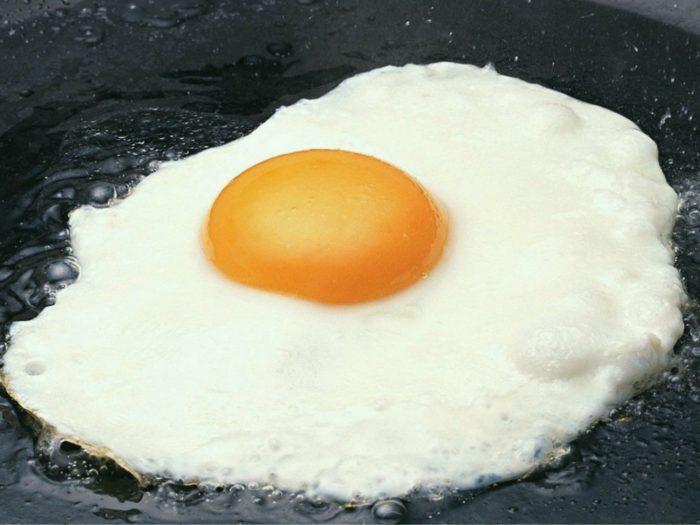 Яичница приготовленная в мультиварке