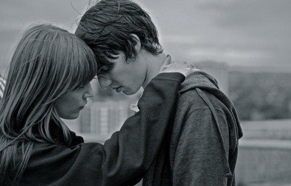 Парень не может расстаться с девушкой чтобы уйти к дргой