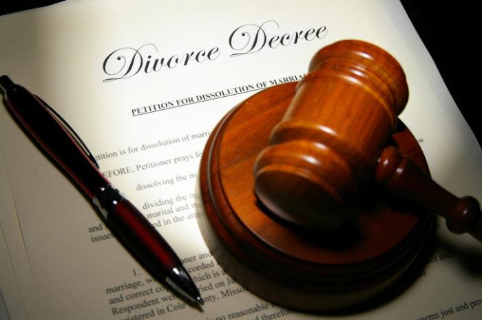 развестись через суд