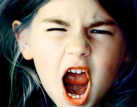 у ребенка случаются истерики
