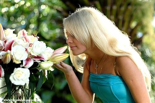 цветы подарить девушке на 18