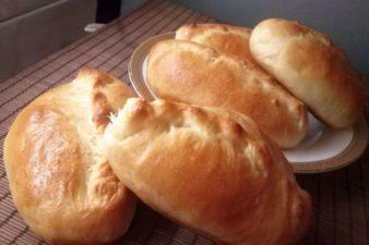 Золотистые пирожки в духовке