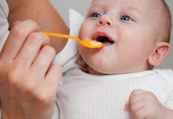 Как прикармливать ребенка смесью? фото