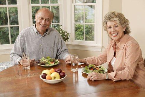 Какие витамины выбрать для пожилых? - фото