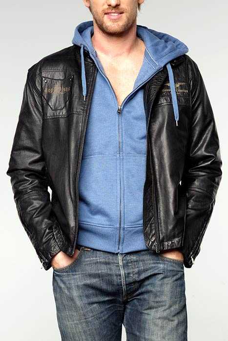 Как выбрать модную мужскую куртку? - фото