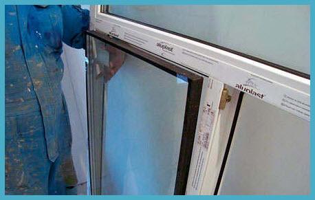 Как сменить стекла в пластиковых окнах? фото