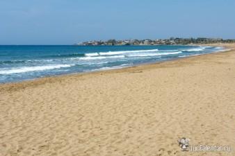 Где можно позагорать на пляже в сентябре? фото