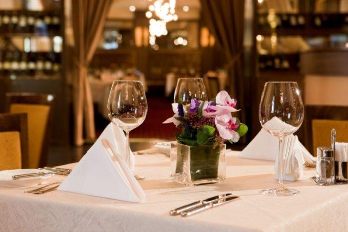 Почему люди ходят в рестораны? фото