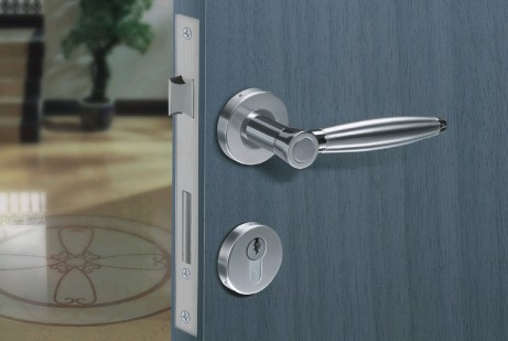 Как выбрать качественную дверную фурнитуру? фото