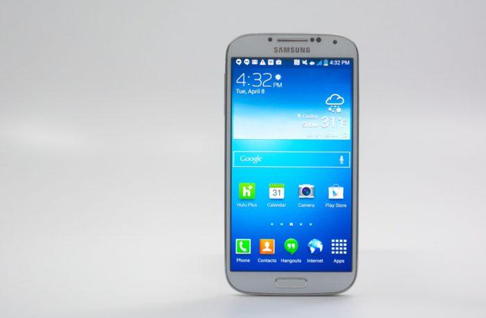 Почему реализация смартфонов Galaxy S5 ниже прогнозируемой? фото