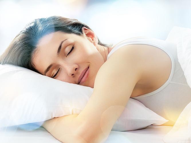 Почему важно высыпаться и правильно подбирать подушку? - фото