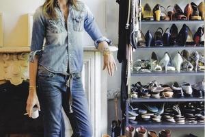 Теперь все новости обувного мира можно узнать на ShoesBase.ru фото