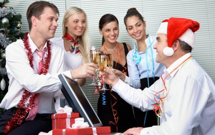 Как провести корпоративный новый год? фото
