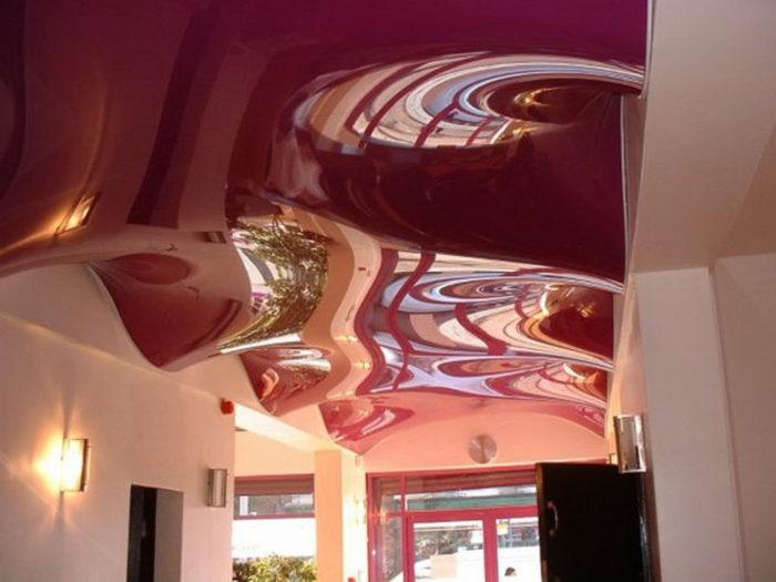 Как выбрать натяжной потолок в комнату? фото