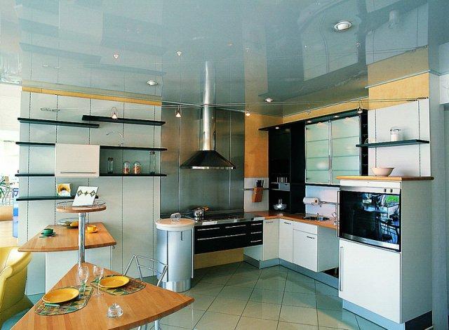 Как выбрать хорошие натяжные потолки в кухню? фото