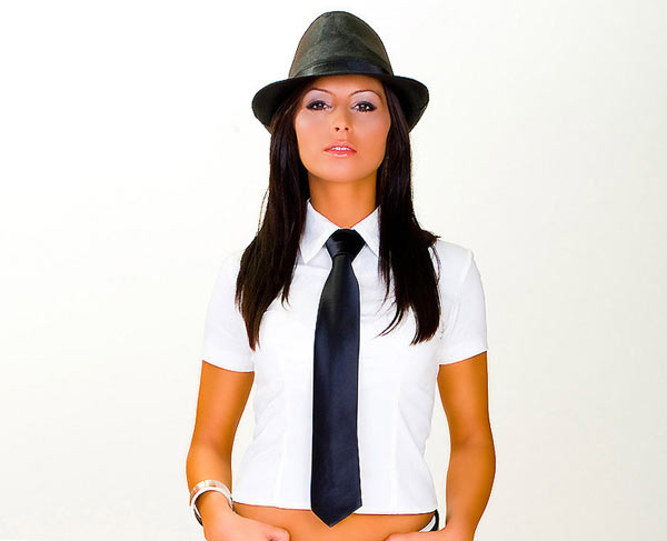 как носить галстук женщине? - фото