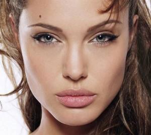 Как сделать макияж Анжелины Джоли? фото