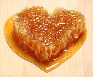 Почему мед нельзя нагревать? - фото