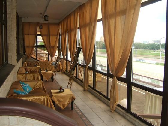 Какими должны быть шторы в ресторане или кафе? фото