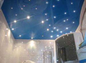 Как выбрать натяжной потолок в ванную? фото