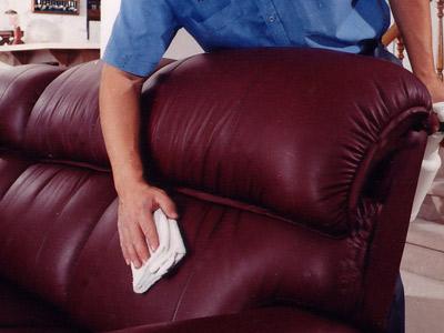 Как ухаживать за мягкой мебелью правильно? фото